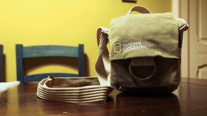 National Geographic Earth Explorer Medium Pouch