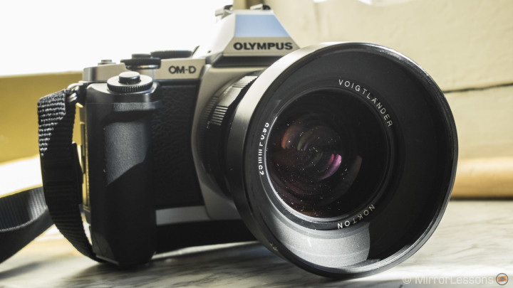 The Voigtlaender Nokton 25mm f/0.95 Hands-On Review: a unique lens for your MFT camera!