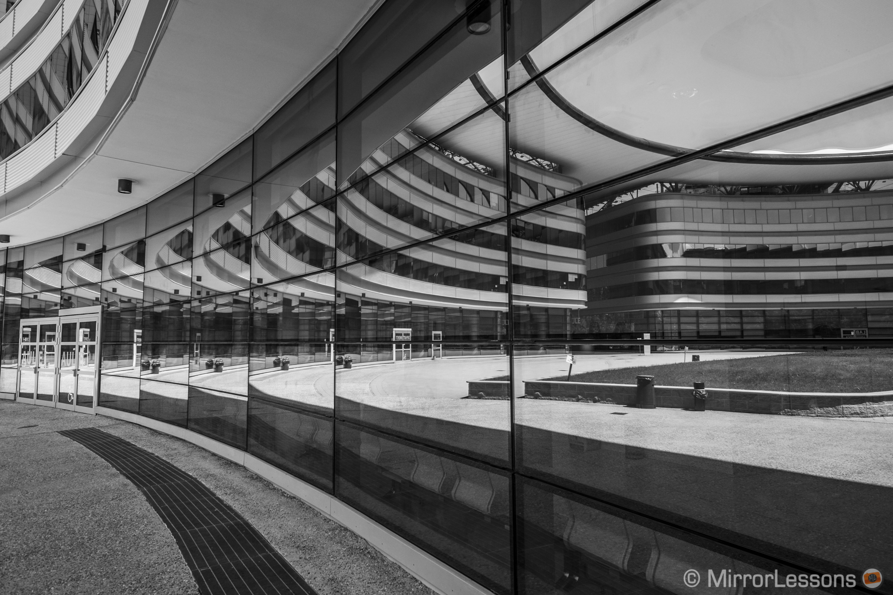 12 Architectural Pictures Taken with the Fuji X-Pro1 & the