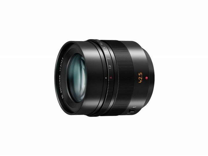 The new Panasonic Leica DG Nocticron 42,5mm f/1.2 portait lens.