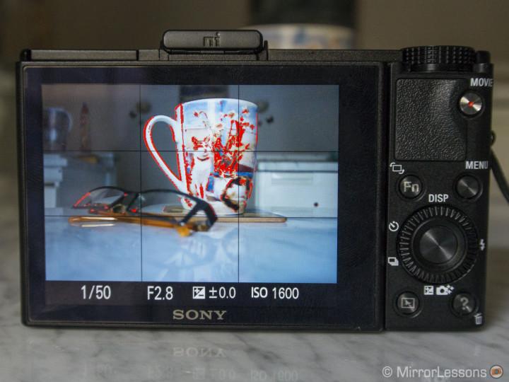 Fujifilm X20 vs  Sony RX100 II: Compact no longer means