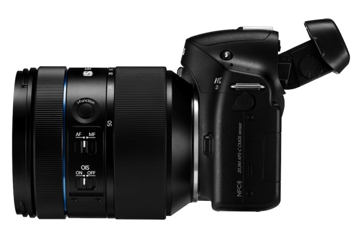 A side view of the 16-50mm f/2-2.8