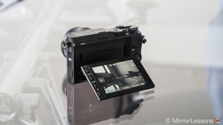 Tilt-touch screen on Nikon 1 V3