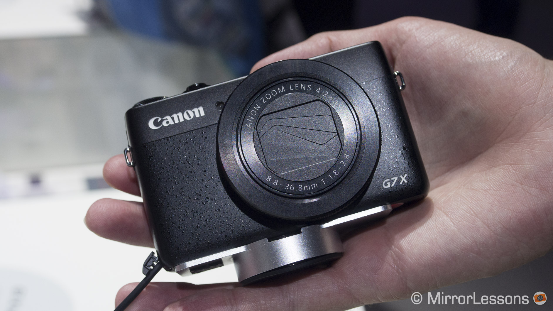 canon mirrorless camera reviews
