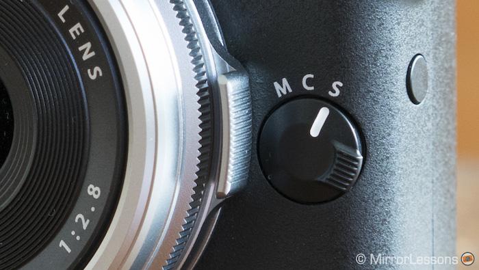 fuji x70 focus dial