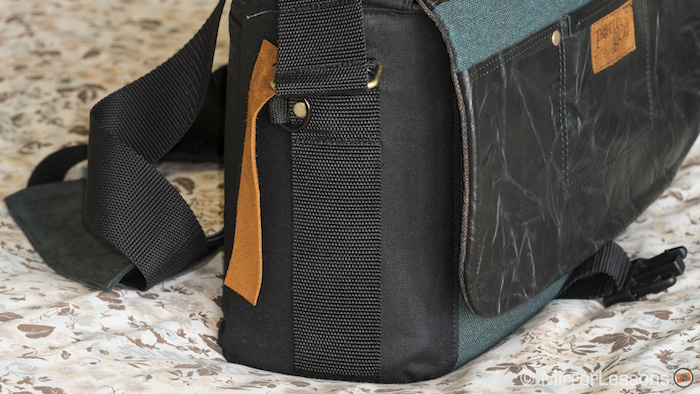 The sides of the bag could benefit from pockets