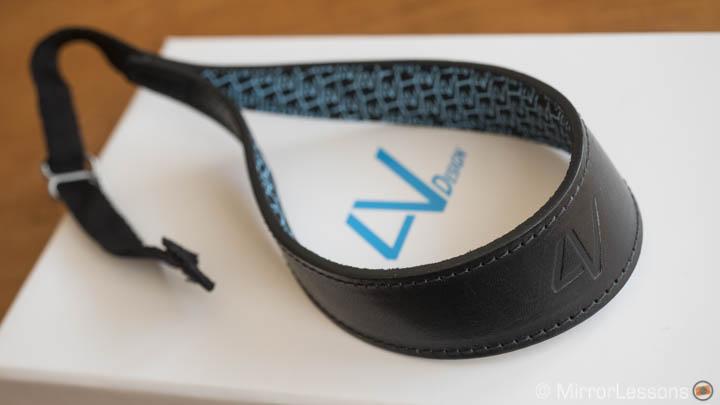 4V design wrist strap review