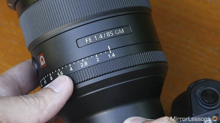 sony 85mm vs batis 85mm