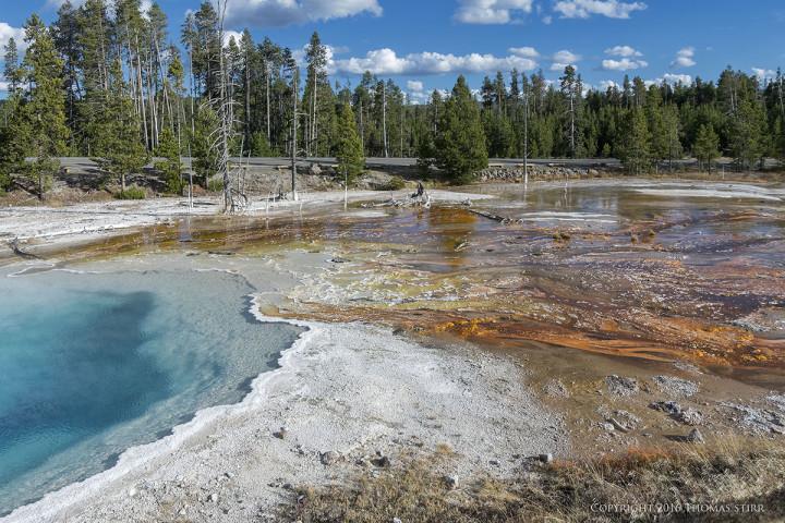 NIKON 1 J5 + 10-100mm f/4-5.6 @ 10mm, efov 27mm, ISO 160, 1/320, f/8.0. Yellowstone National Park Wyoming.