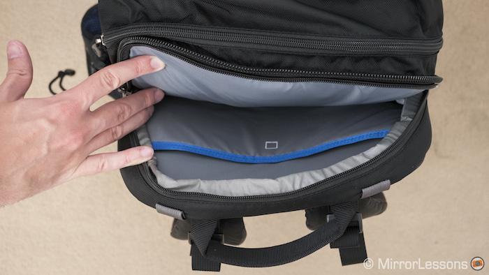 Laptop / tablet compartment