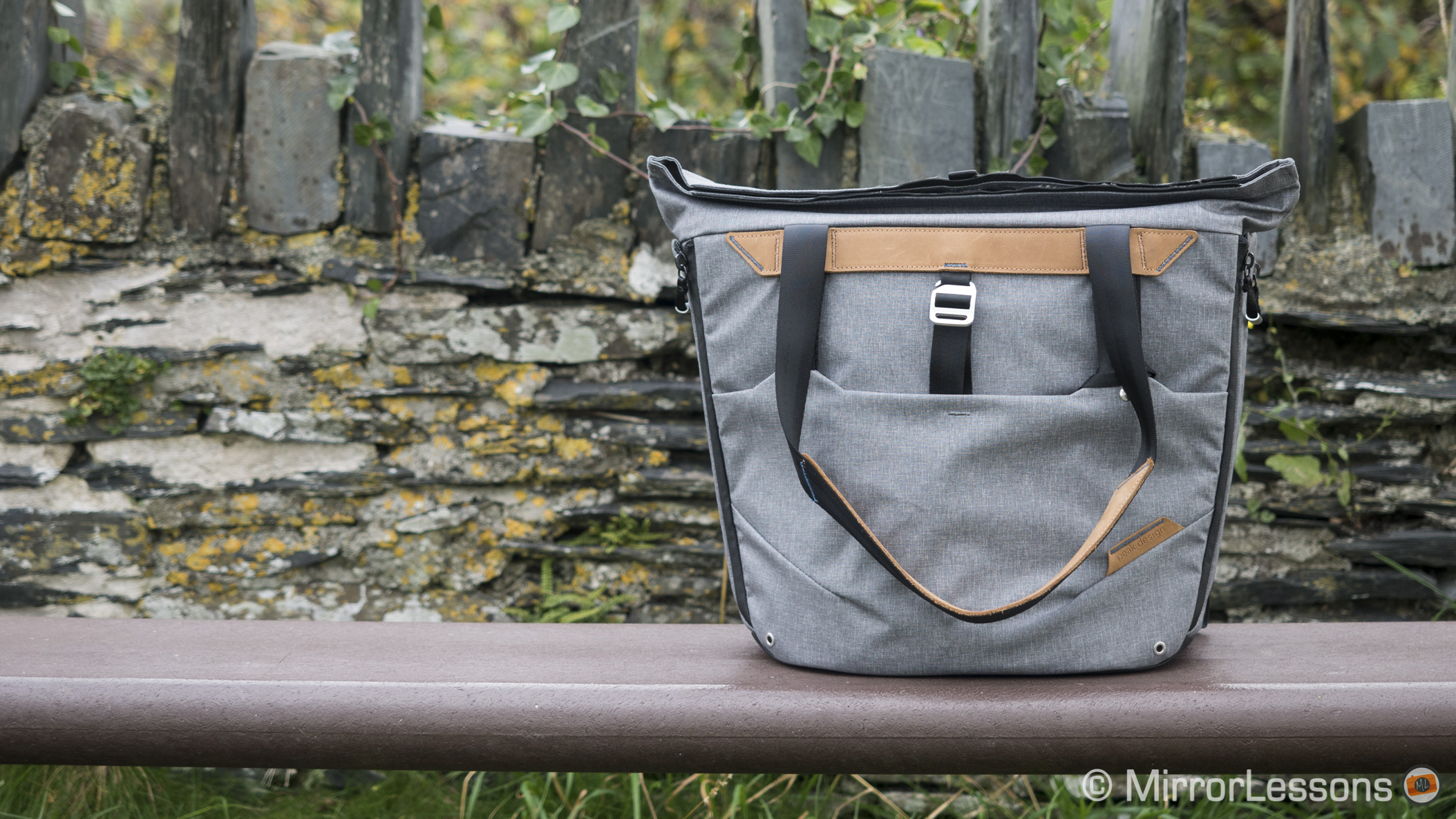 peak design tote bag review